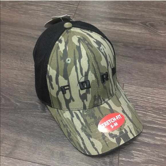 Ford Mossy Oak Fitted Cap Trucker Hat Camo S M New.  M 5bbd3eab4ab633f3a5070603 c2a3d63ed5d